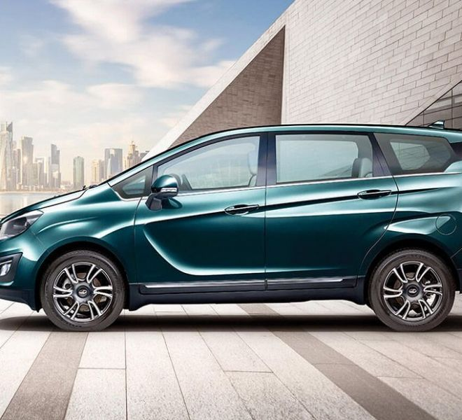 Automotive Mahindra Marazzo Exterior-2