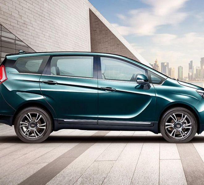 Automotive Mahindra Marazzo Exterior-3