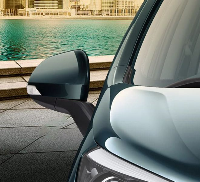 Automotive Mahindra Marazzo Exterior-9