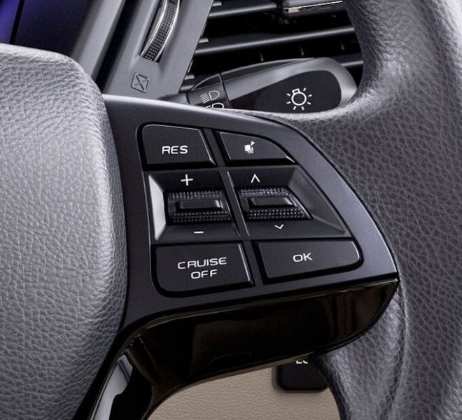 Automotive Mahindra Marazzo Interior-7