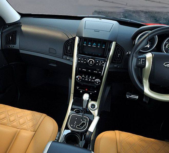 Automotive Mahindra XUV500 Interior-13